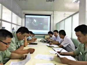 Siwun engineers discuss advertising truck design