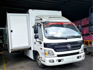 D-6E LED billboard truck with extension box